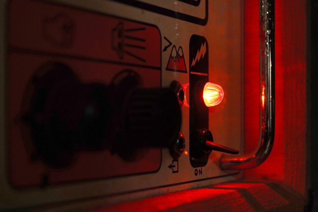 wood-studio-redlight
